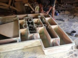 Pola kayu dudukan mesin