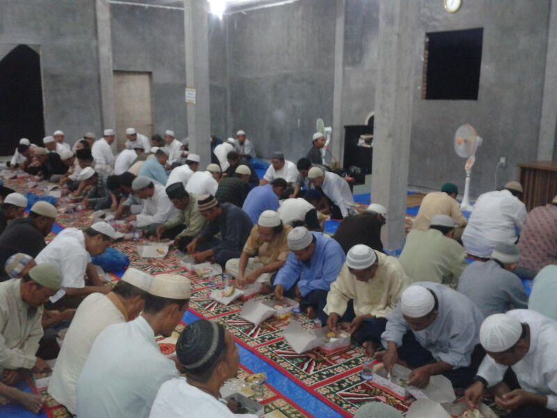 Tiga Keutamaan Buka Bersama di Masjid