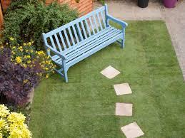 kursi taman kayu biasa